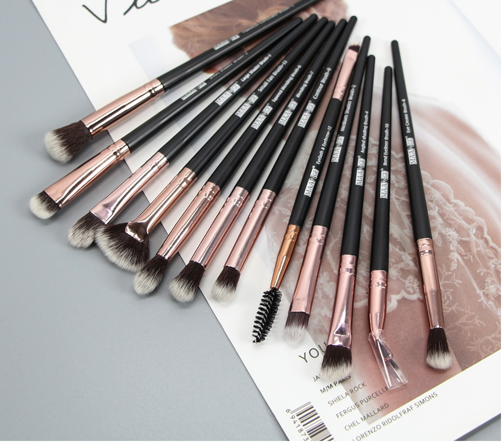 Long Makeup Brushes Set